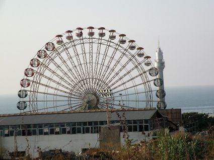 Beirut Corniche 26 Ferris Wheel Wirth New Lighthouse In West Corniche