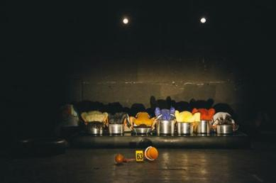 586926-itfok-2016-the-battle-scene-by-zoukak-theatre-company-and-cultural-association