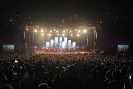 Snow-Patrol-at-Byblos-Festival-05