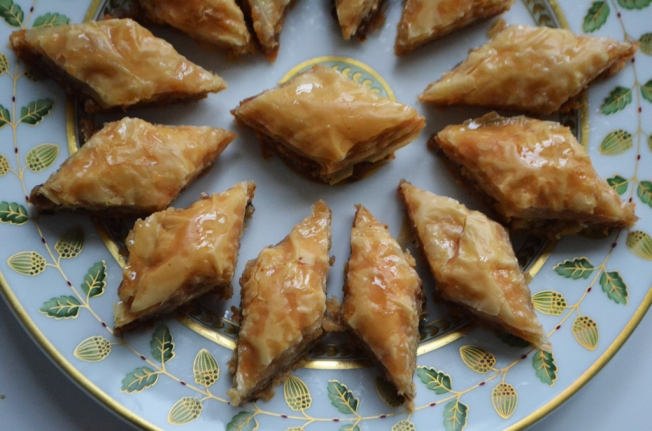Baklawa-Bernadaud-plate-large-POST
