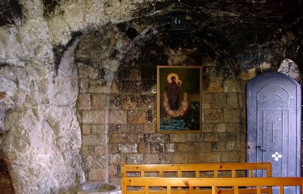 140430111919962saydet-al-nourieh-monastery-90