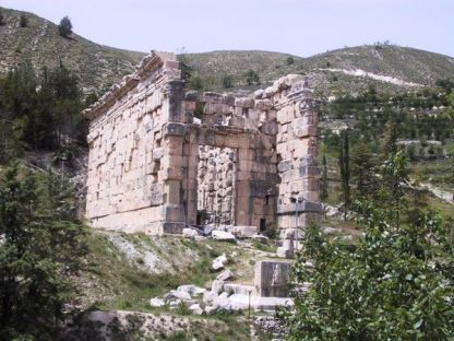 600px-niha_roman_temple