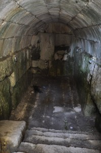 niha_great_temple_cellar_1_3
