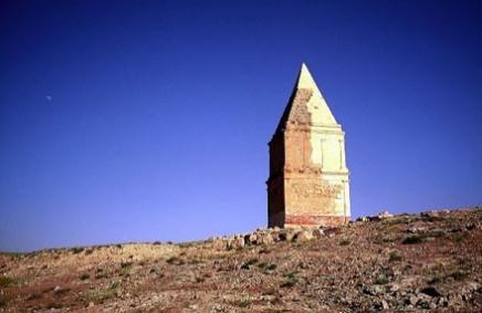 Qamouat el-Hermel. La tombe du prince syrien.